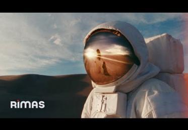 Bad Bunny x Mora - Una Vez | videoclip