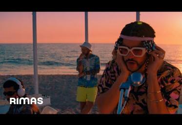 Bad Bunny x Jhay Cortez - Dakiti | videoclip