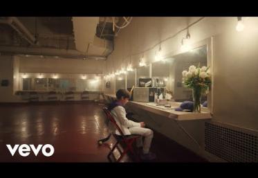 Justin Bieber & Benny Blanco - Lonely | videoclip
