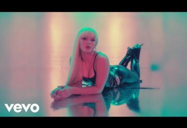 Zara Larsson - WOW | videoclip