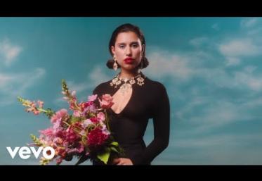 RAYE - Love Your Life | videoclip