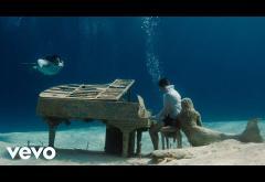 Kygo ft. Zoe Wees - Love Me Now | videoclip