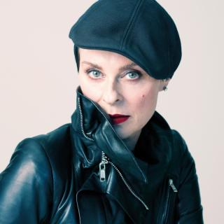 "Lisa Stansfield - ""All Around The World"" (Video)"