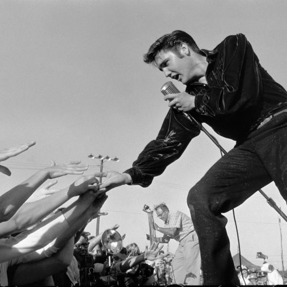 "Elvis Presley - ""All Shook Up"" (Video)"