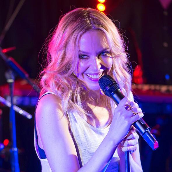 "Kylie Minogue & Jack Savoretti: ""Music´s Too Sad Without You"" (Audio)"