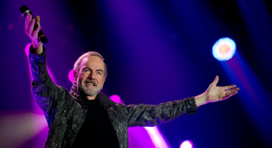 "Neil Diamond: ""Home Before Dark"" (Video)"