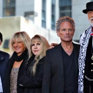 """Fleetwood Mac - """"Dreams"""" (Video)"""