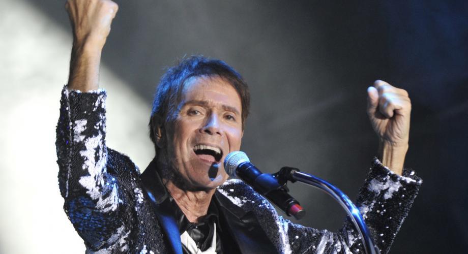 Cliff Richard anunță lansarea unui nou disc