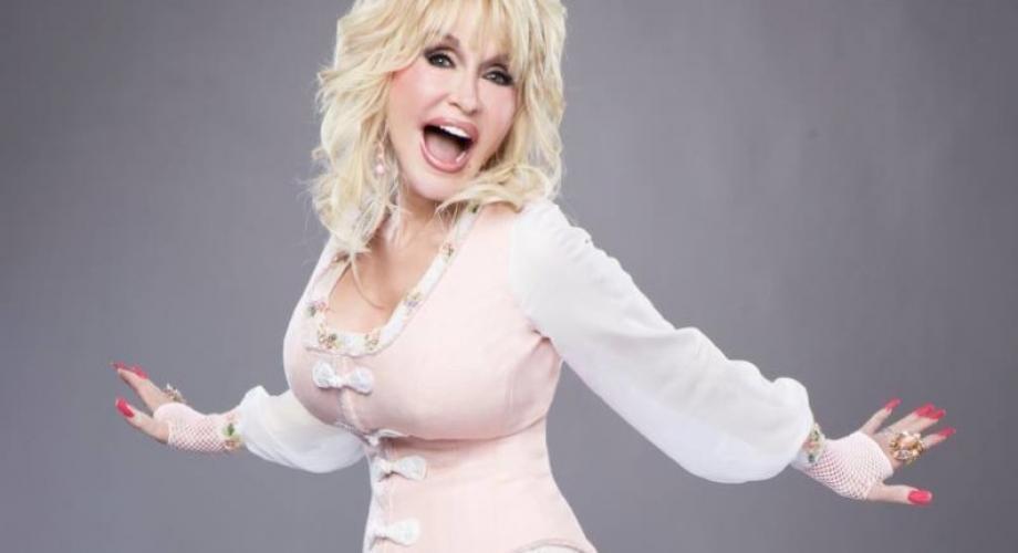 Dolly Parton va fi persoana anului 2019