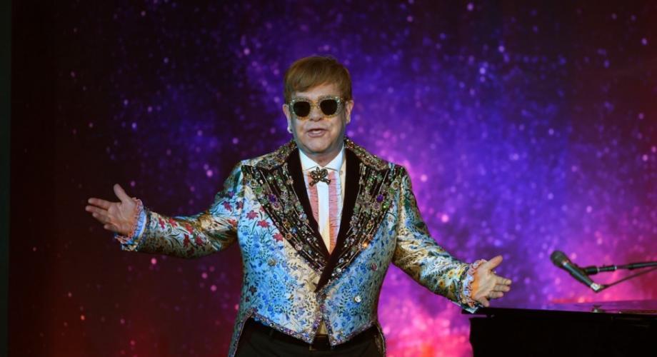 După aproape 50 de ani de carieră, Elton John a pornit în turneul de adio