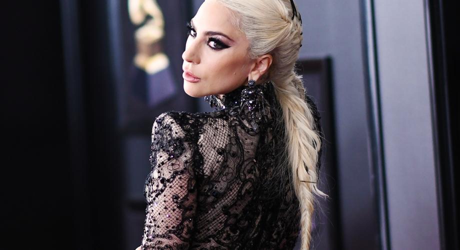Lady Gaga debutează pe marele ecran alături de Bradley Cooper