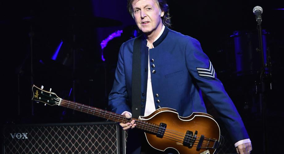 Paul McCartney este în fruntea topului Billboard, după aproape 40 de ani