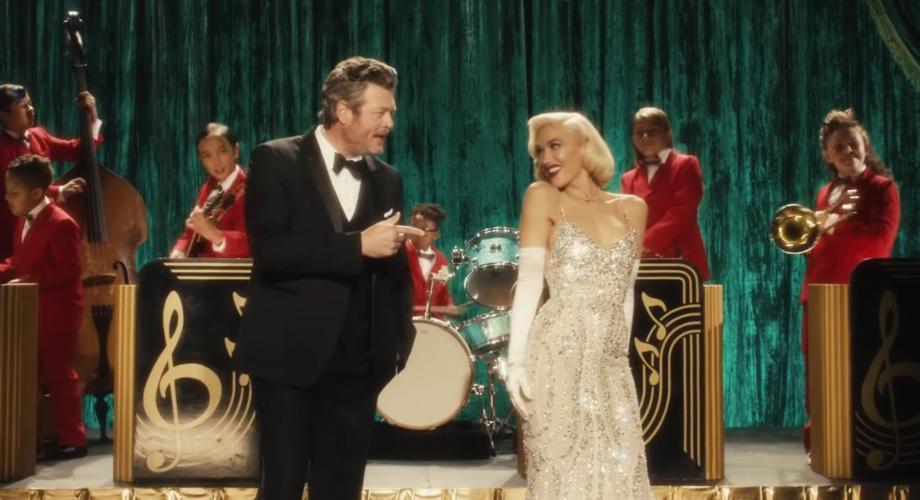 "Gwen Stefani & Blake Shelton - ""You Make It Feel Like Christmas"" (Video)"