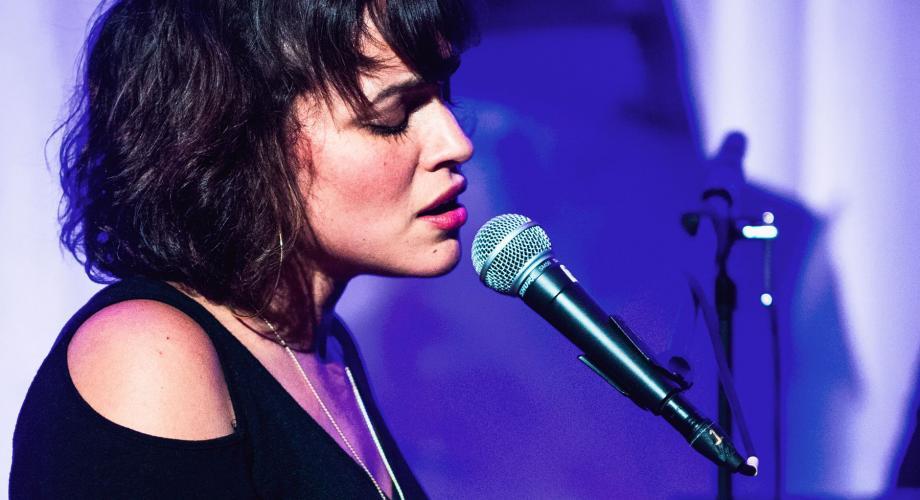 """Norah Jones: """"Wintertime"""" (Audio)"""