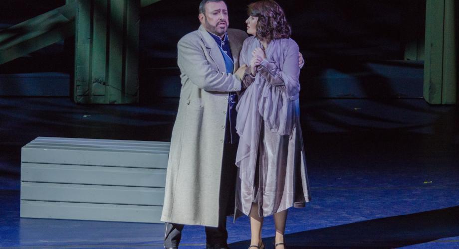 """""""Bal Mascat"""", o montare plină de simboluri, pe scena Operei Naționale București"""