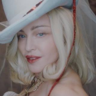 """Madonna anunță întâlnirea cu o misterioasă """"Madame X"""""""