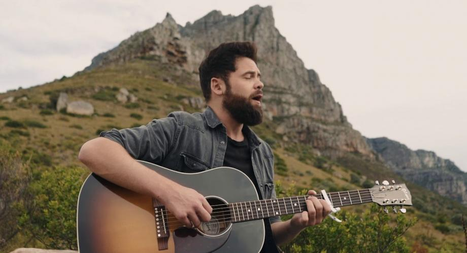 "Passenger: ""Helplessly Lost"" (Video)"