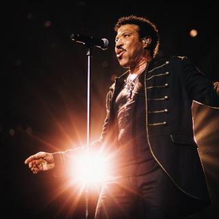 """Lionel Richie, din nou în atenția fanilor cu albumul """"Hello From Las Vegas"""""""