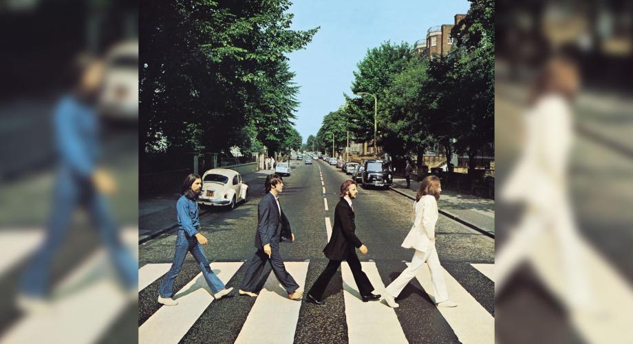 """Albumul """"Abbey Road"""" revine în fruntea topurilor britanice după 50 de ani de la prima ediţie!"""