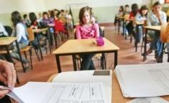 """Elev din clasele primare, umilit de învățător chiar de ziua lui. Mama copilului e disperată: """"A șters cu el pe jos"""""""""""
