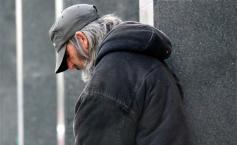 """Bărbatul fără adăpost venea mereu la spitalul din Iași. Deși trebuia operat de urgență, el refuza de fiecare dată. Motivul dureros din spatele acestei drame"""""""
