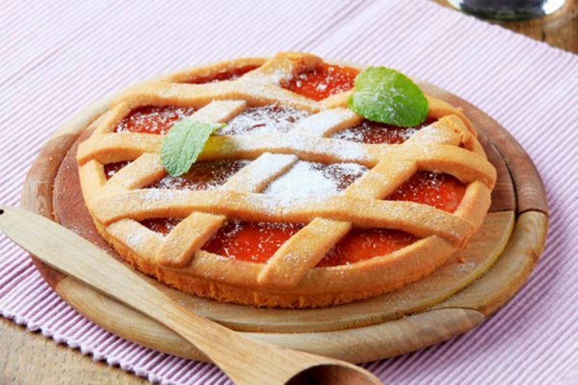 Tartă cu mere și peltea de gutui. O nebunie de desert gata în câteva minute!
