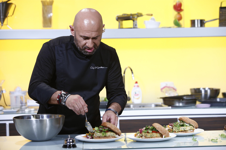 """Ea este preferata lui Chef Scărlătescu! Ies la iveală detalii incredibile despre juratul """"Chefi la cuțite"""""""