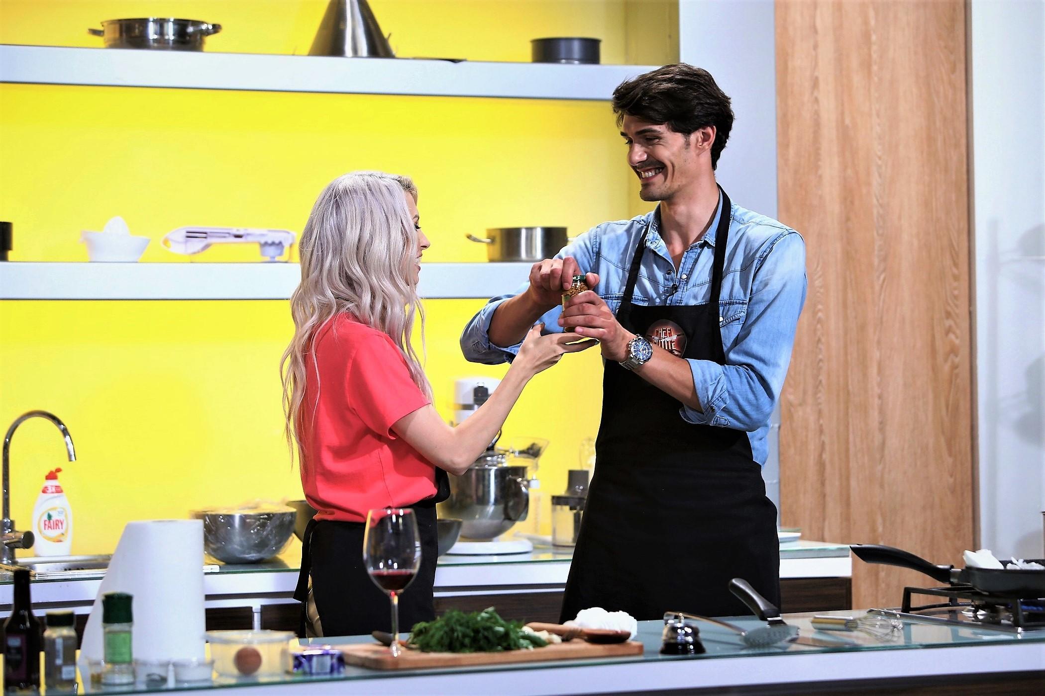 """Andreea Bălan și soțul său fac echipă în bucătăria """"Chefi la cuțite"""""""