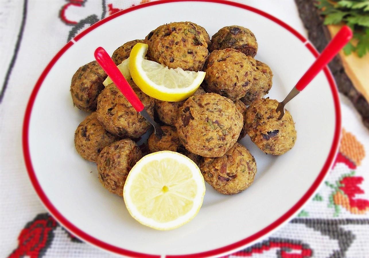 Chiftele de ton cu ciuperci. Niște delicii culinare pe care merită să le încerci!