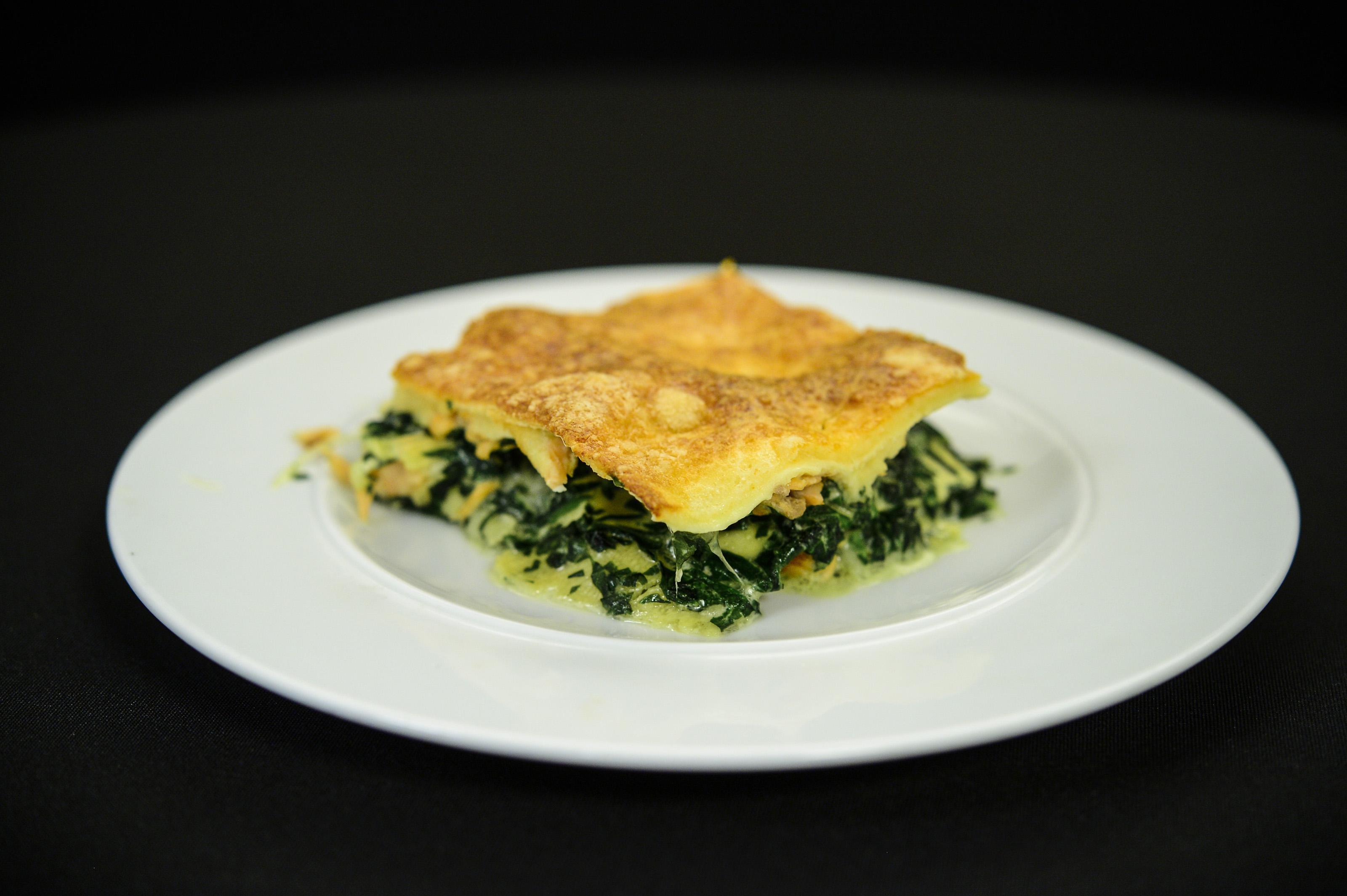 Lasagna cu spanac si somon. O altfel de lasagna mai simplă, mai delicioasă!