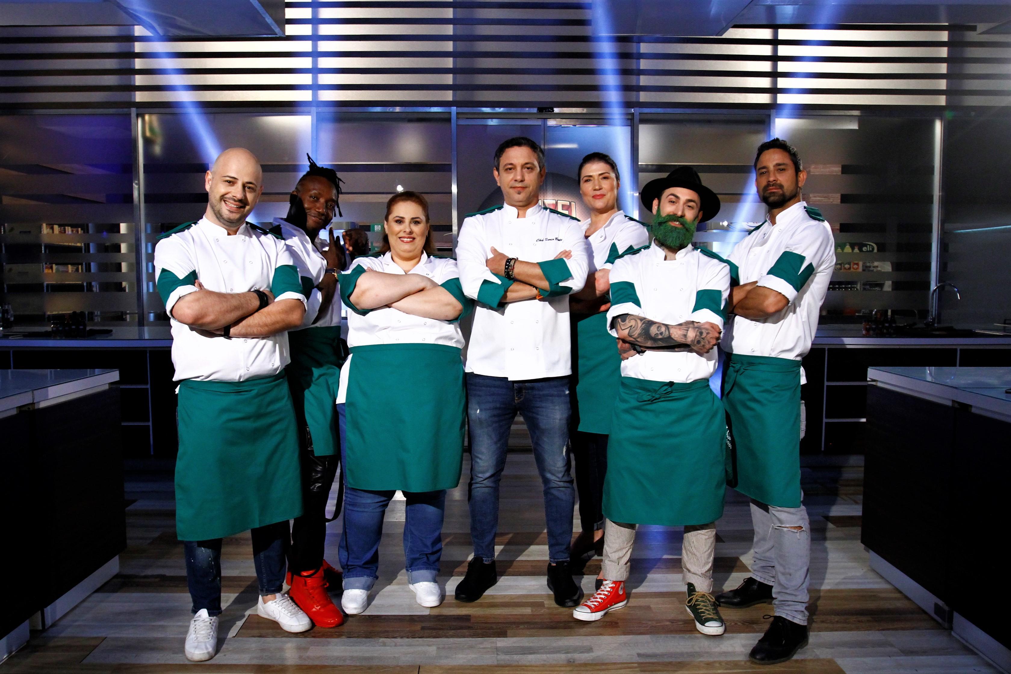 Șase concurenți, șase povesti impresionante de viață! Ei sunt bucătarii VERZI ai lui chef Sorin Bontea!