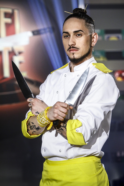 De la vase, a ajuns să fie numit șef de bucătărie! Acum, Răzvan este unul dintre