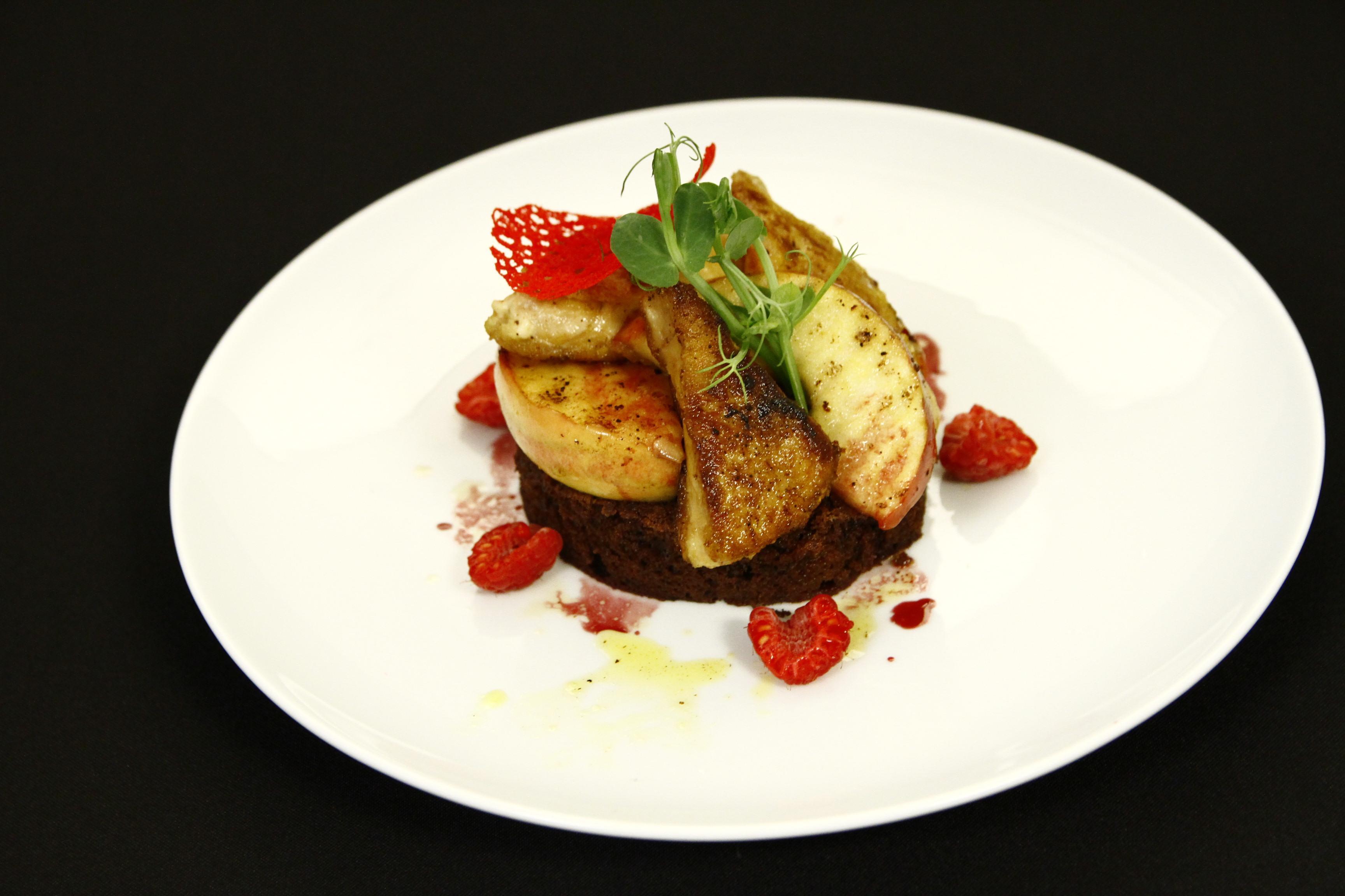 Escalop de foie gras cu mere coapte