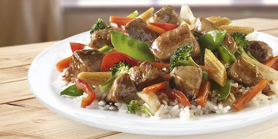 Deliciu asiatic, chiar la tine în bucătărie! Cum se face rețeta de porc cu legume în stil chinezesc