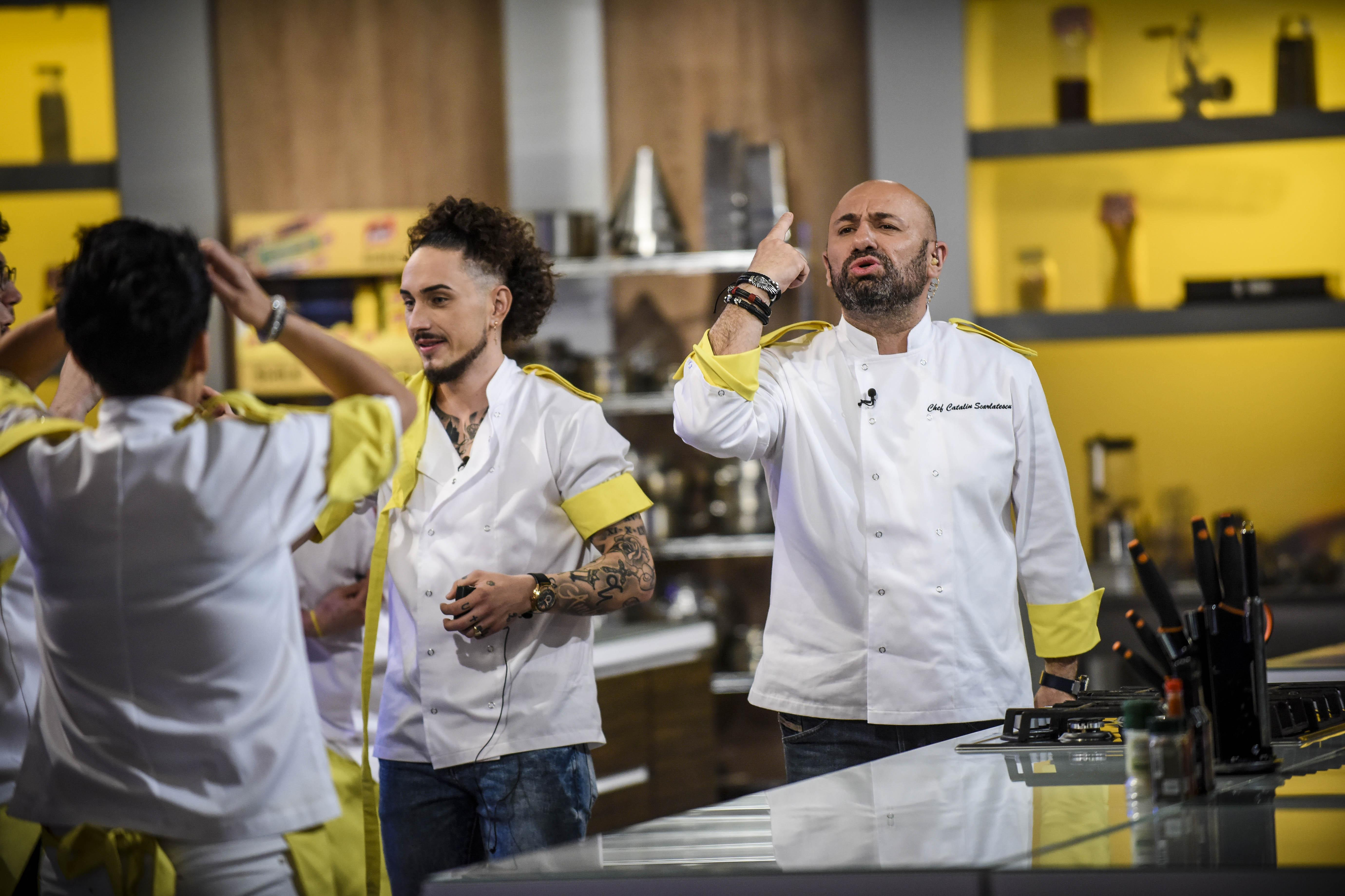 Scărlătescu i-a înfuriat pe fanii lui Chef Dumitrescu, dar acum dă o nouă lovitură! Ce pune la cale juratul