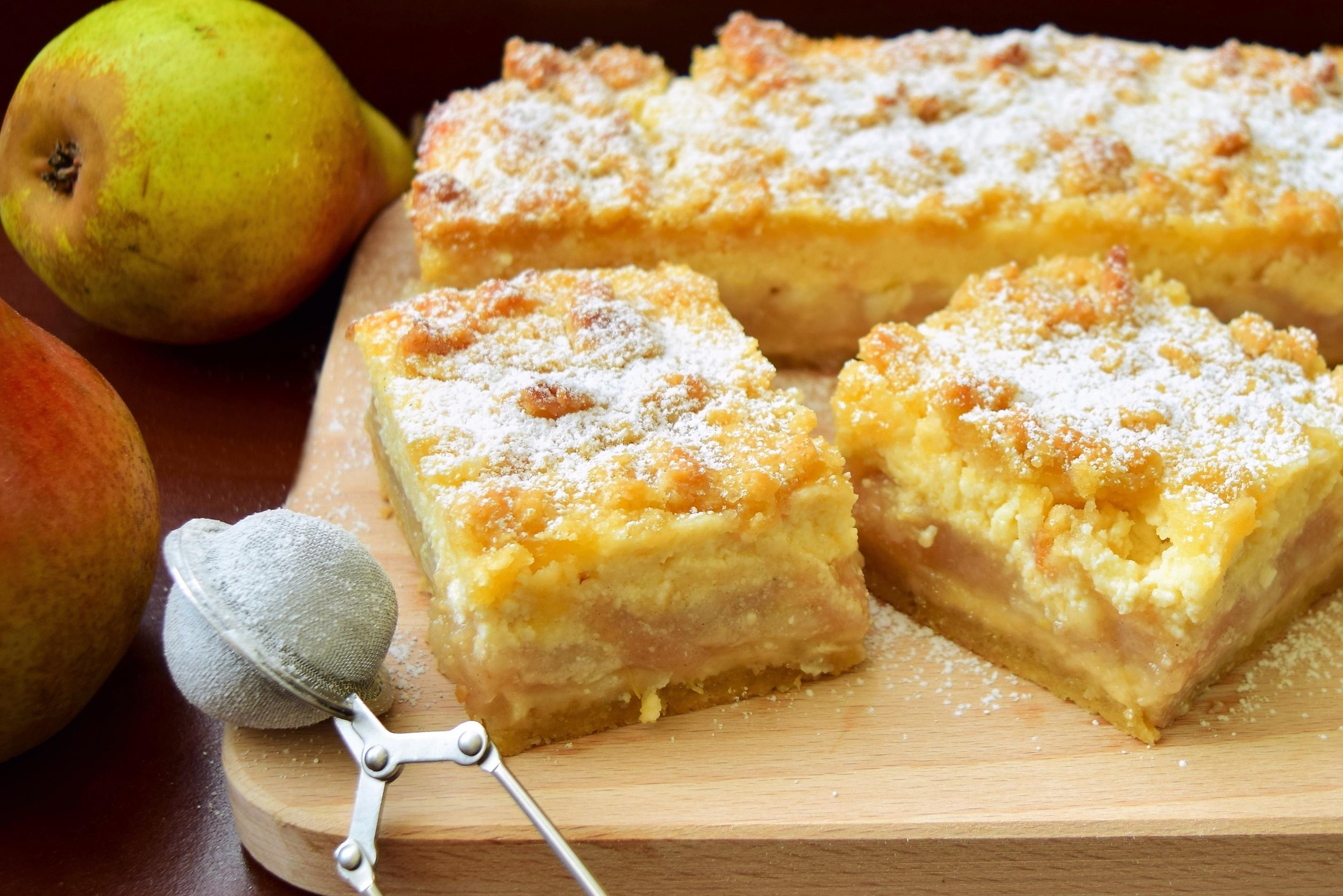 Desert de toamnă: Prăjitura cu pere și cremă de brânză. O încântare pentru papilele gustative!
