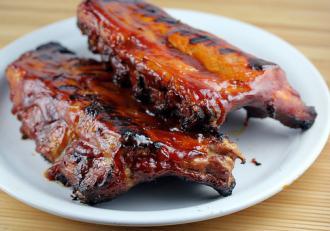 Breaking news pentru pasionații de carne! Cum se fac cele mai bune coaste de porc cu cidru!