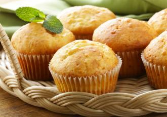 """18 octombrie, ziua în care spunem """"La mulți ani"""" brioșelor din întreaga lume! Care este cea mai bună rețetă de cupcakes, gata în câteva 30 de minute"""