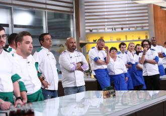 Chef Scãrlãtescu a pierdut încã un concurent din echipa mov. Emisiunea, lider detaşat de audienţã