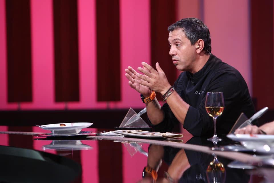 """A apărut o nouă înșelătorie pe internet! Avertismentul lansat de chef Sorin Bontea: """"Premiile care vi se promit nu sunt reale!"""""""