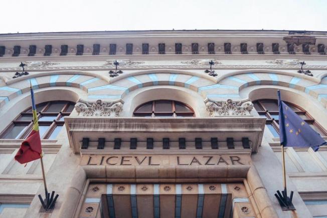 """O elevă de la Colegiul """"Gheorghe Lazăr"""" din București a murit după ce a fost diagnosticată cu meningită! Orele au fost suspendate"""