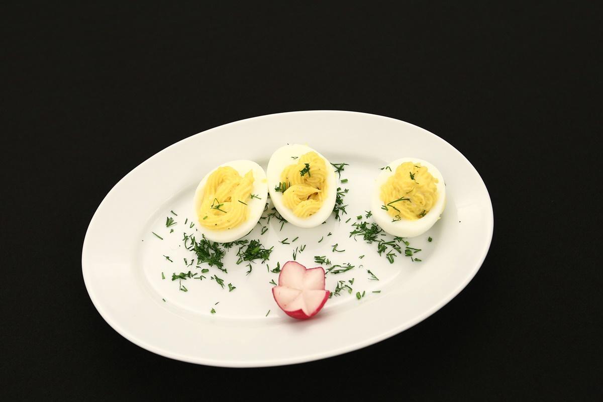Rețetă de ouă umplute