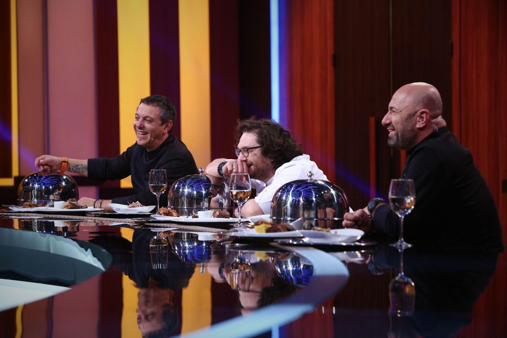 Jurații Bontea, Dumitrescu și Scărlătescu își aleg echipele sezonului special Chefi la cuțite