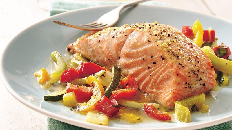 Somon cu legume la tigaie, o rețetă fără calorii, gata în doar 15 minute! Care e secretul?