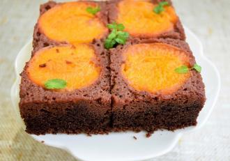 Cea mai bună rețetă de Negresă cu ciocolată și caise! O prăjitură de vară de care nu te saturi niciodată.