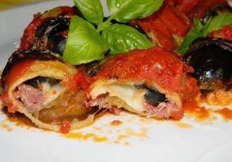 Ce mai pregătim delicios din vinete? Rulouri de vinete cu prosciutto și mozzarella.