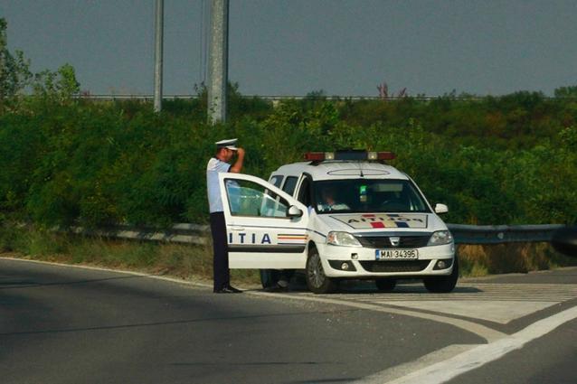 Record de viteză pe șoselele din România. I-au reținut permisul