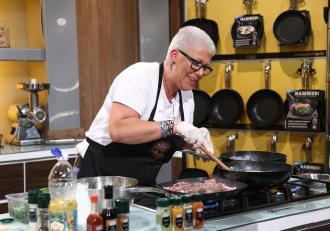 """Cristina Raiu a sărit din mașină și a riscat o amendă, totul ca să ajungă la """"Chefi la cuțite""""! Ce a dezvăluit concurenta"""