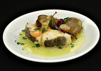 Bacalhau a Lagareiro. Rețetă de cod sărat cu cartofi la cuptor