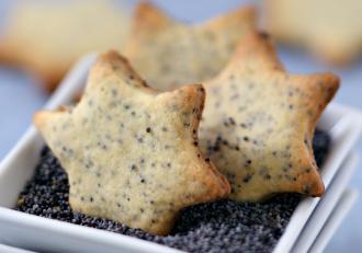 Rețetă de biscuiți aperitiv cu parmezan și mac, perfecți pentru gustări rapide